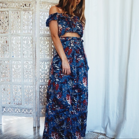 23b4ed7285a9 •East Village Floral Wrap Around Maxi Skirt•